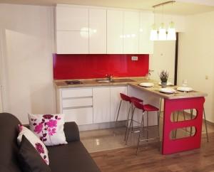 moderna-bijela-roza-kuhinja-chabby-chick